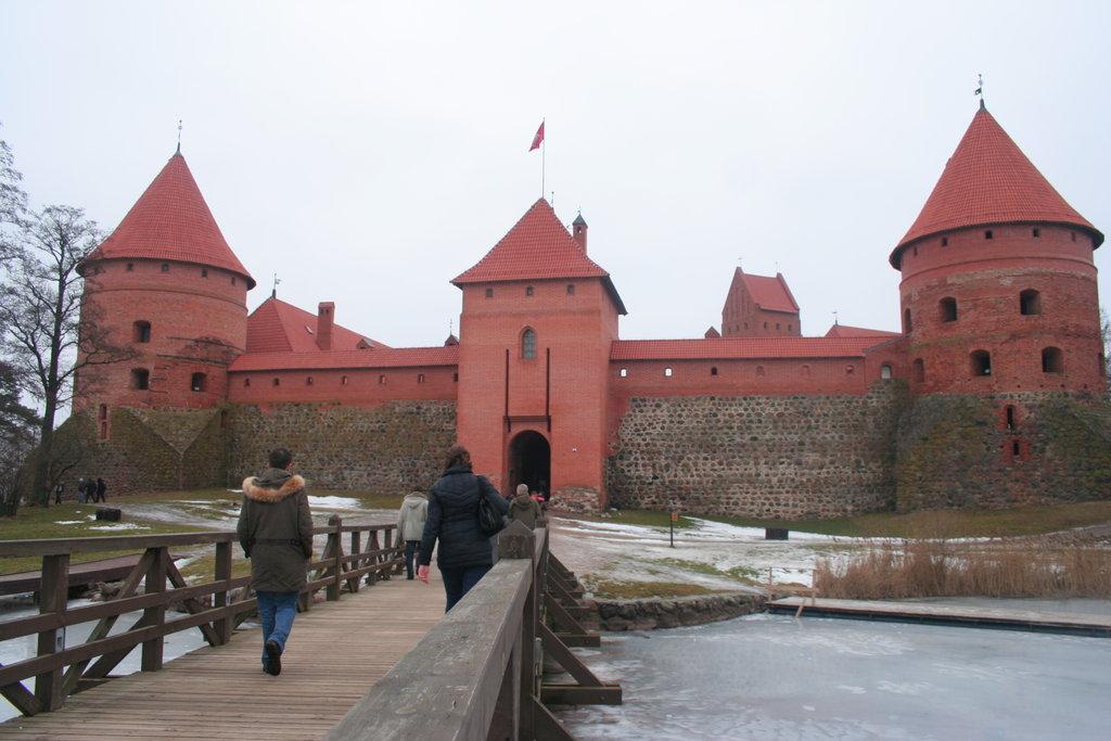 Литва - Хълмът на кръстовете, Тракай, Нида, Клайпеда,Паланга