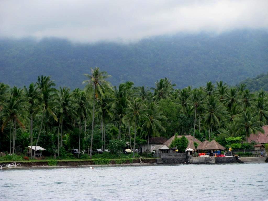 Bali & Indian ocean, Indonesia, March 2011